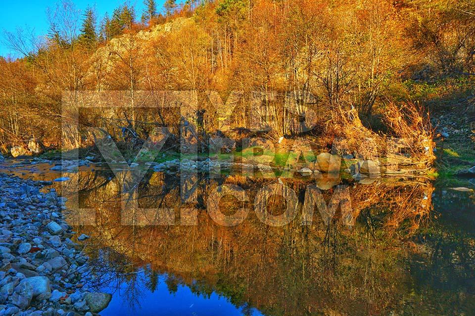 Madanska River Madan Thumbnail PHVD012
